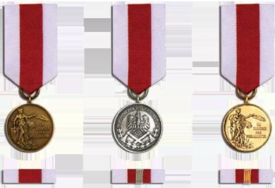 Medale za zasługi dla pożarnictwa oraz baretki